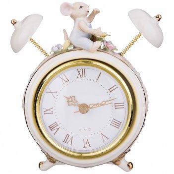 Часы настольные кварцевые 11*6*14,5 см. диаметр циферблата=8 см (кор=24шт.